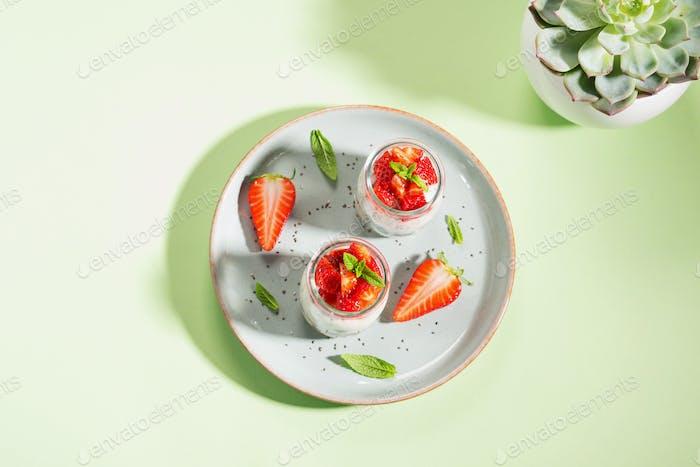 Yogurt granola parfait with strawberries