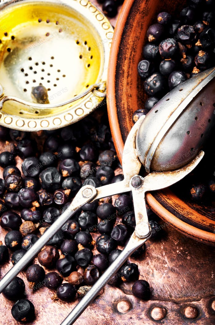 Bowl of juniper berries