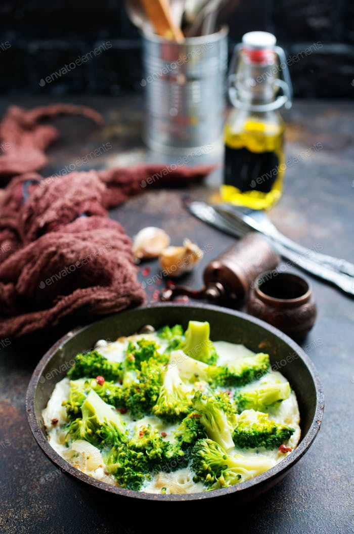 broccoli with eggs