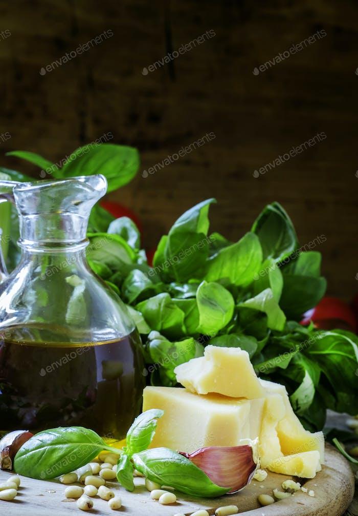 Italienische Gewürze, Kräuter, Käse und Olivenöl