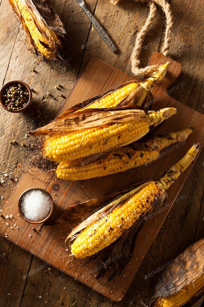 Gegrillter Mais auf dem Cob