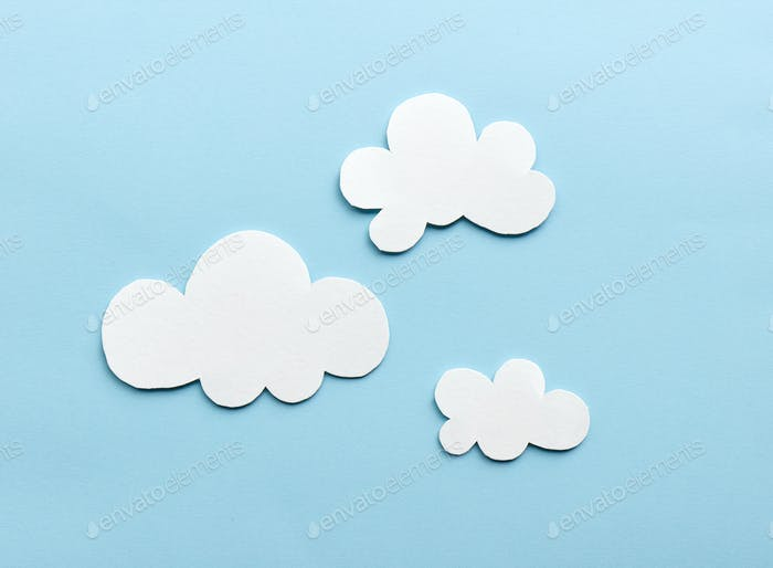 weiße Wolken auf blauem Himmel Hintergrund