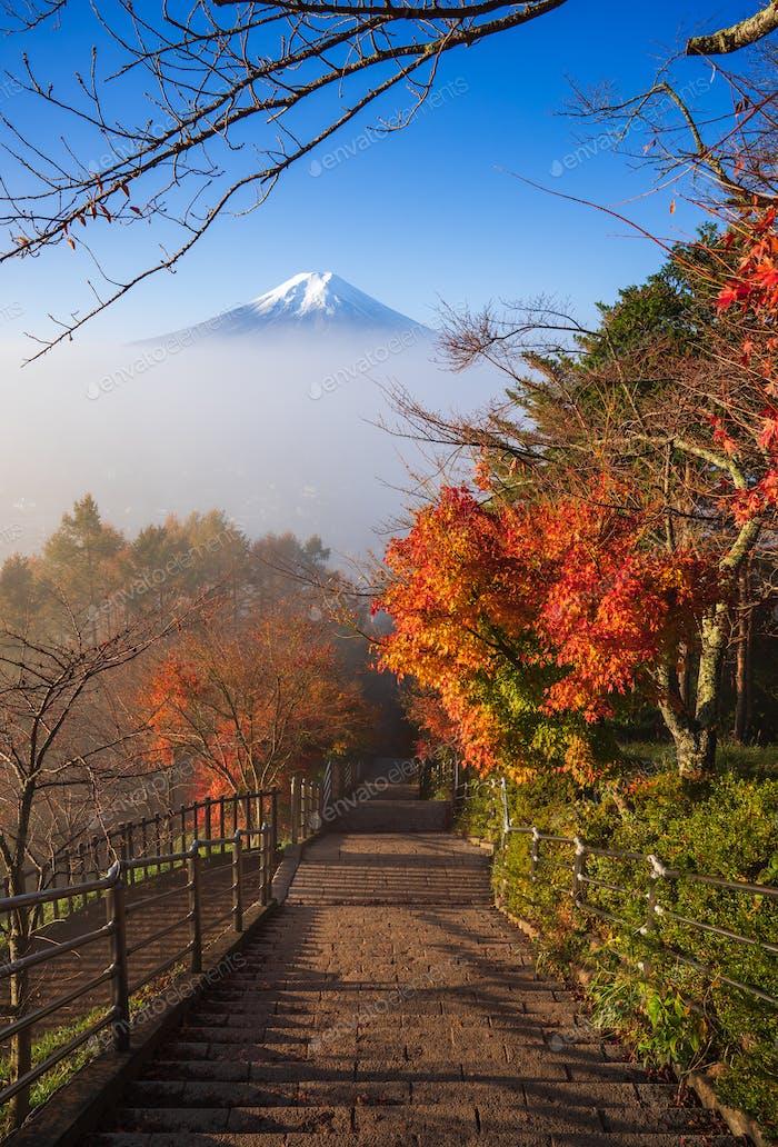 Treppe zum Mt. Fuji Fujiyoshida, Japan