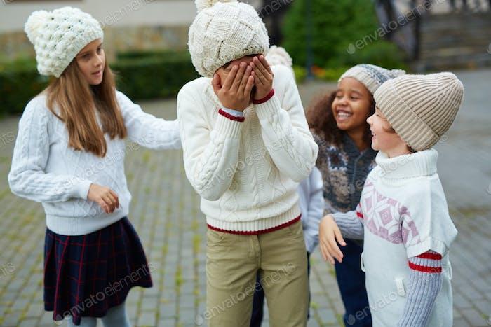 Sneering bei Klassenkamerad