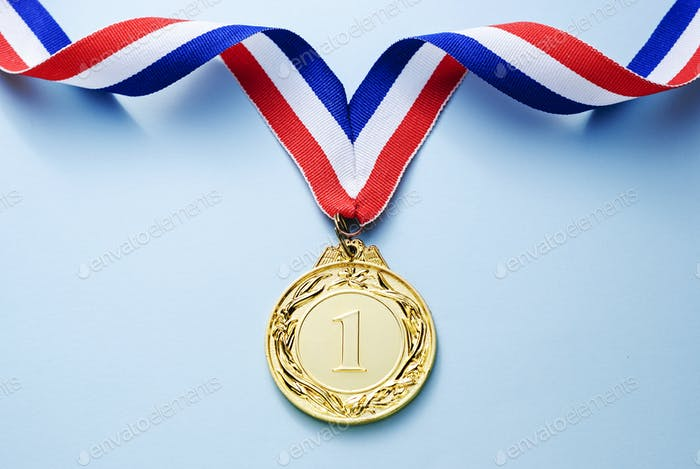 Medalla de oro 1 lugar con una cinta