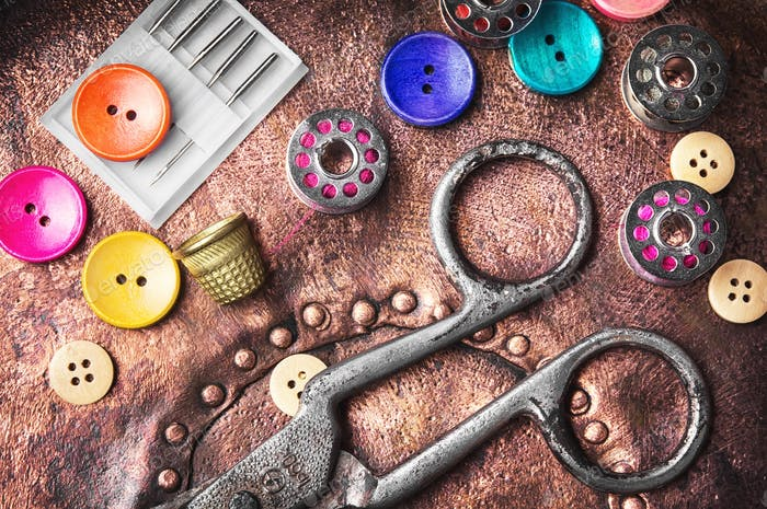 Retro sewing accessories