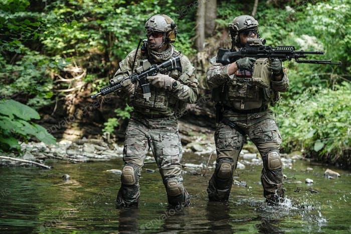 Armee Ranger in den Bergen
