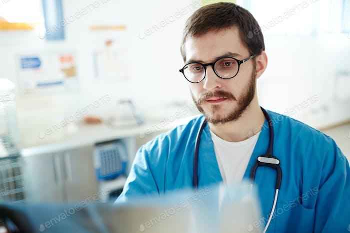 Vet radiologist