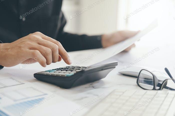 Concepto de Economía de Ahorro Finanzas