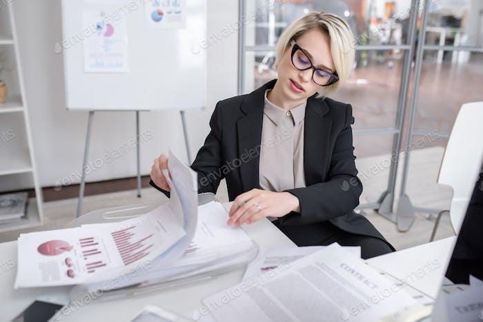 Female Marketing Expert  in Office