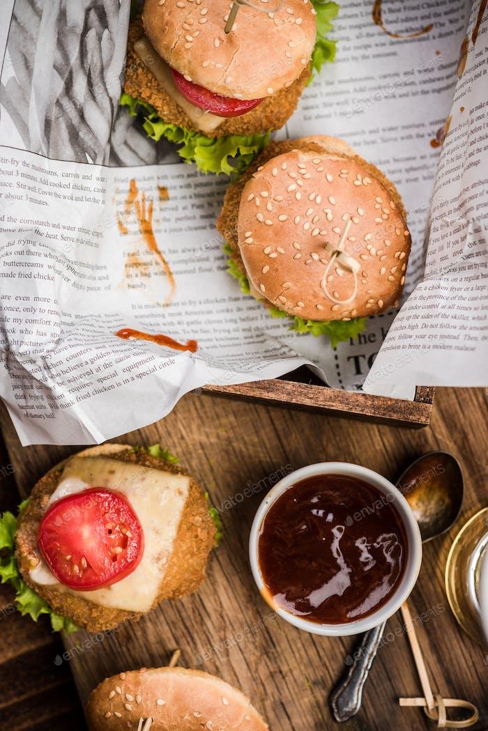 Pub fast food, mini burgers