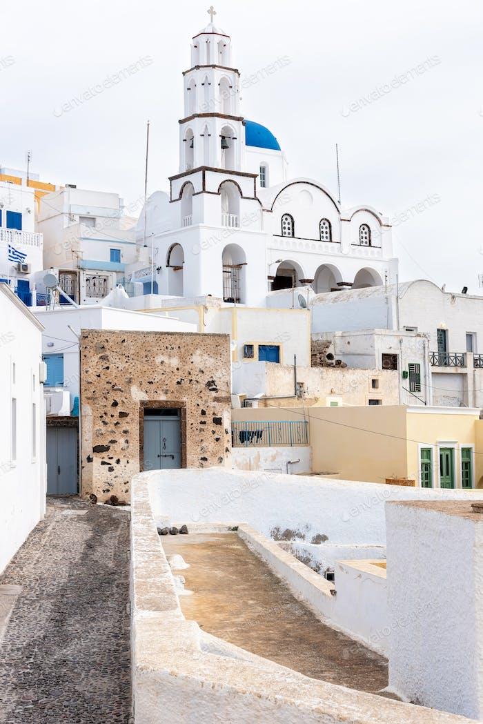 Santorini's Village An einem bewölkten Tag, Griechenland
