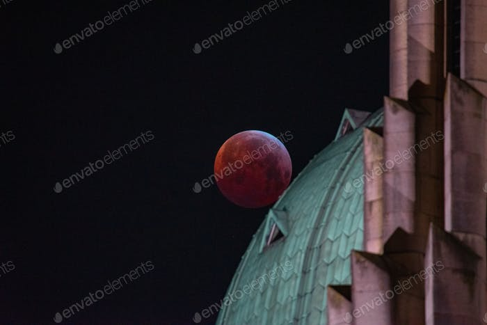 Blood Moon Brussels