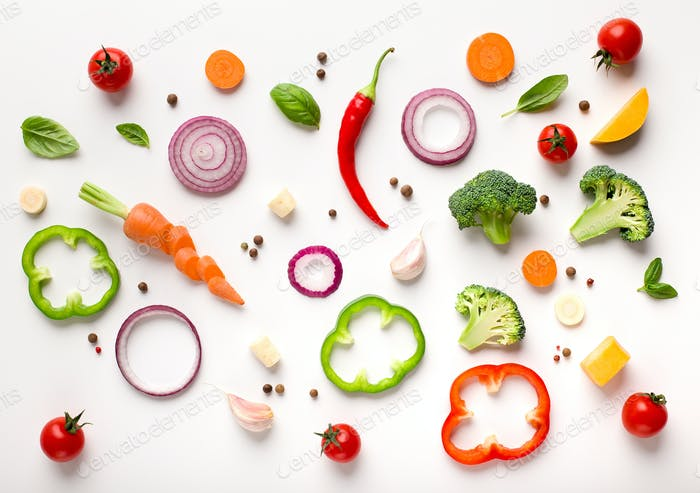 Gesunde flache Lage von geschnittenem Gemüse Zusammensetzung