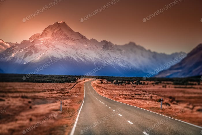 Beautiful road towards Mt Cook