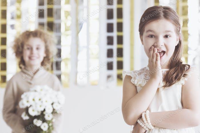 Kleine flirty Mädchen