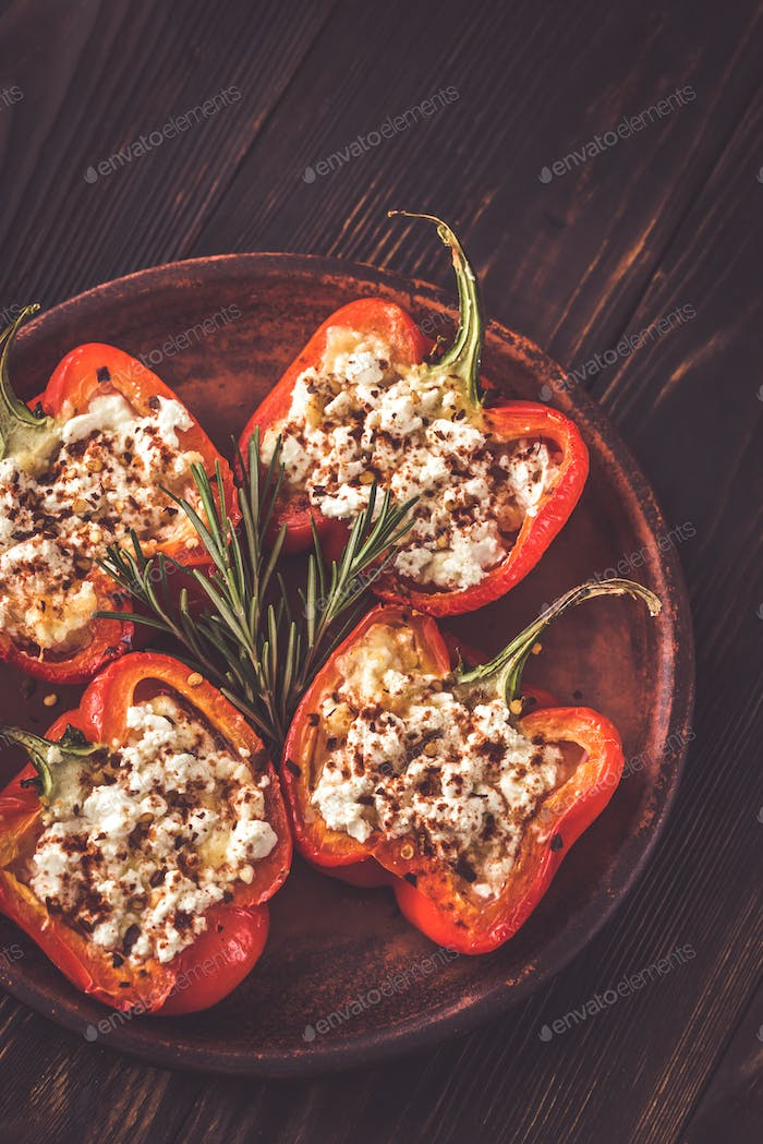 Stuffed peppers with feta
