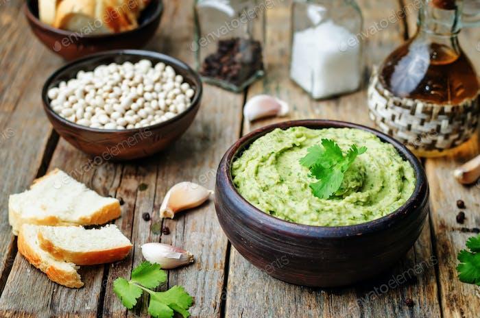 white beans avocado cilantro lime hummus