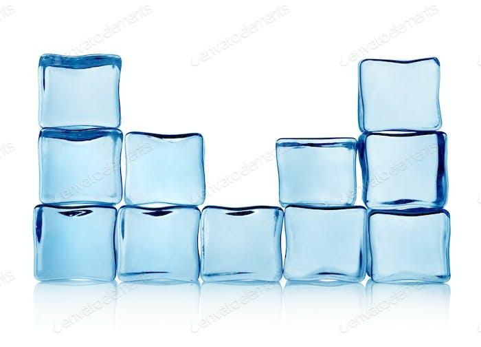 Figuren aus Eiswürfeln