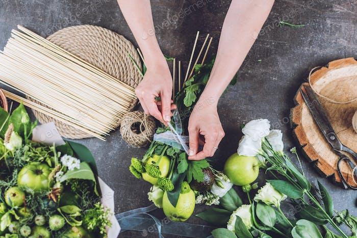 Fresh fruit Arrangements, Bouquets, edible fresh fruit arrangement gifts. How to Make edible Bouquet