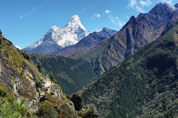 Ama Dablan mountain views