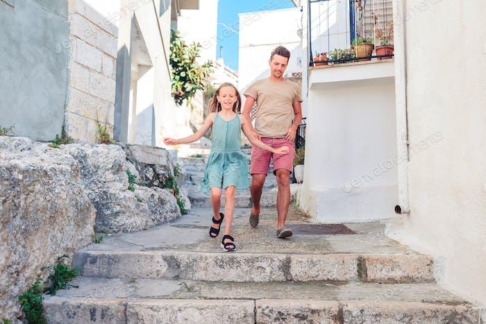 Família em férias na Europa divirta-se