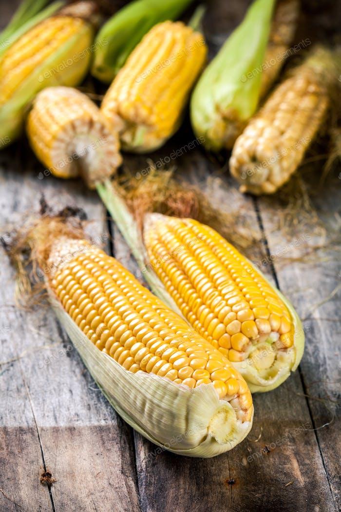 Bio-Mais im Korb