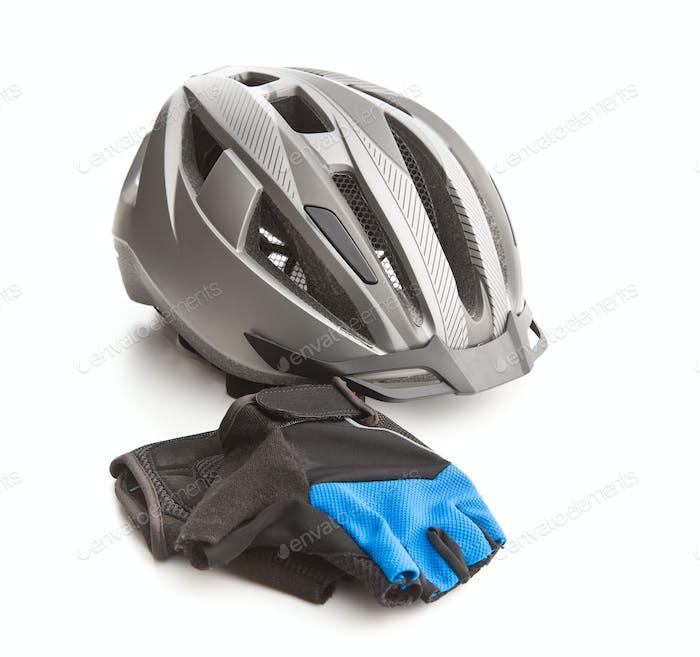 Fahrradhelm und Handschuhe