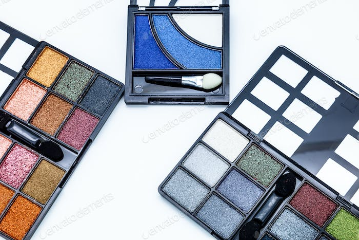 Cosmetic eyeshadows