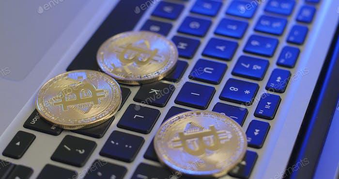 Poner bitcoin en el teclado