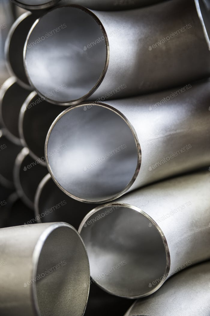 Sill life of aluminum pipes manufactured in a sheet metal factory