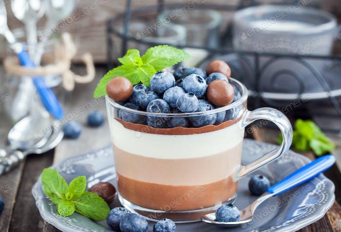 Drei Schokoladen-Dessert-Mousse