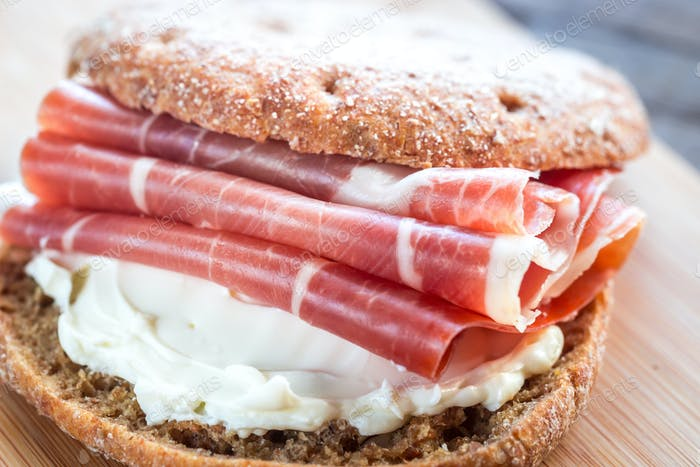 Sandwich with cream cheese and jamon