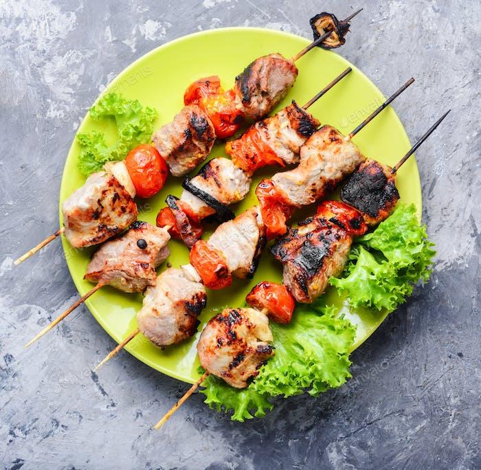 Aperitivo kebab, carne a la parrilla