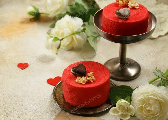 Roter Samtkuchen zum Valentinstag