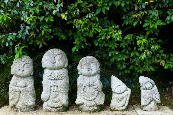 Nagomi jizo, Statue in Japanese temple