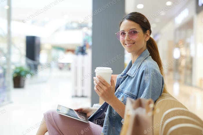 Kaffee trinken in der Mall