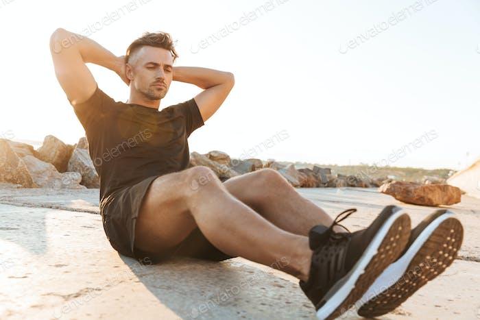 Porträt eines konzentrierten Sportlers