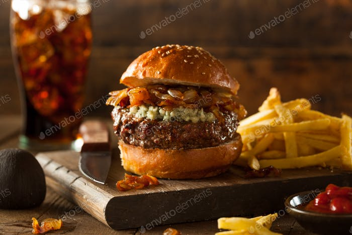 Juicy Blue Cheese Hamburger