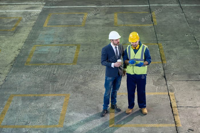 Ingenieure bei Plant Wide Angle