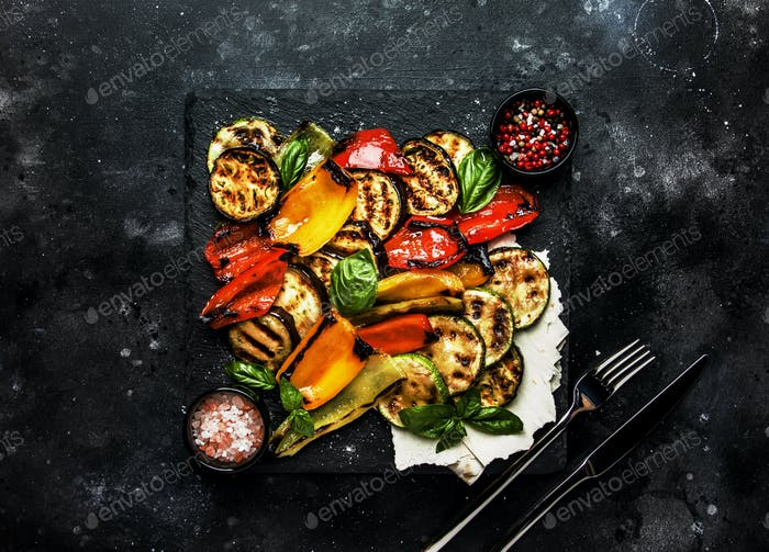 Grilled multicolored vegetables