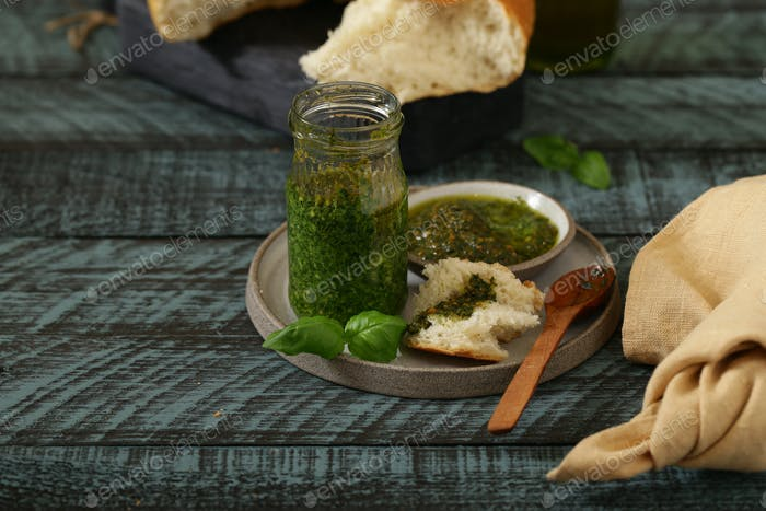 Organic Natural Pesto Sauce