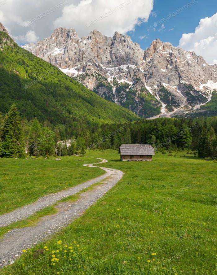 Schöne Landschaft in den Bergen der Julischen Alpen