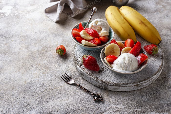 Strawberry, banana and ice cream dessert