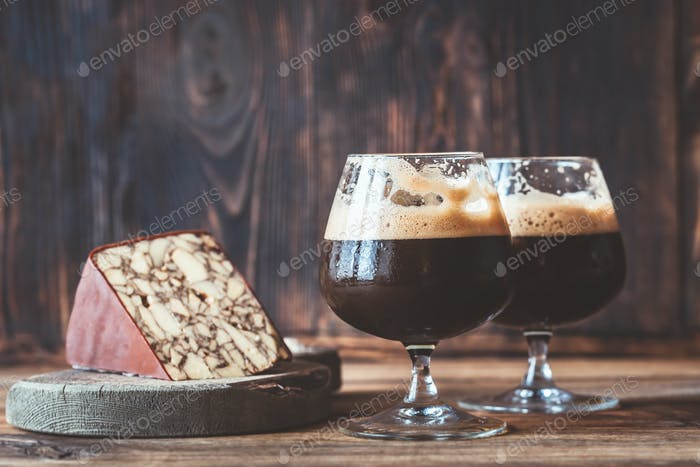 Two glasses of dark beer with Irish Porter Cheddar