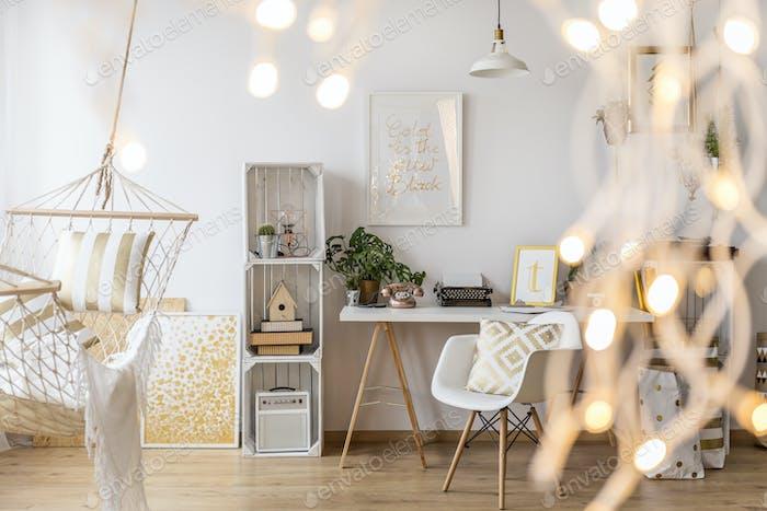 Wohnzimmer mit Beleuchtung