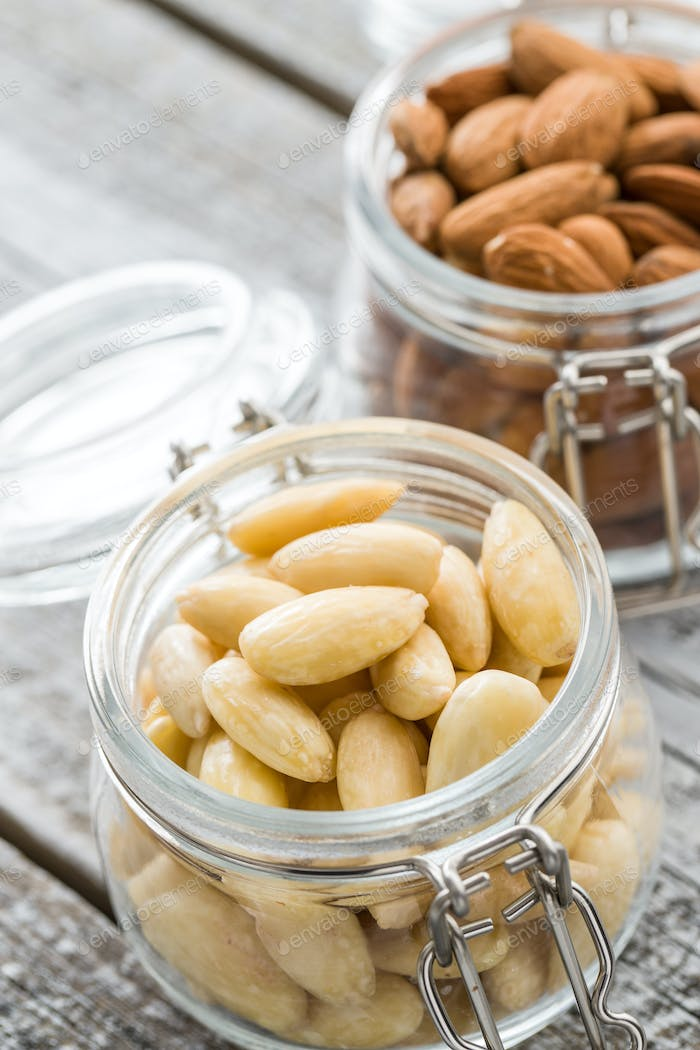 Peeled and unpeeled almonds.