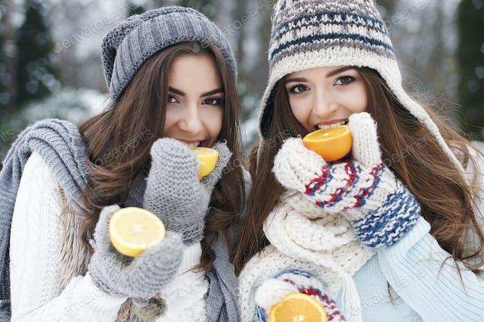 Comer vitaminas naturales en invierno fortalece nuestra resistencia