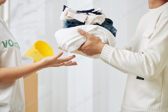 Kleidung Spendenkonzept