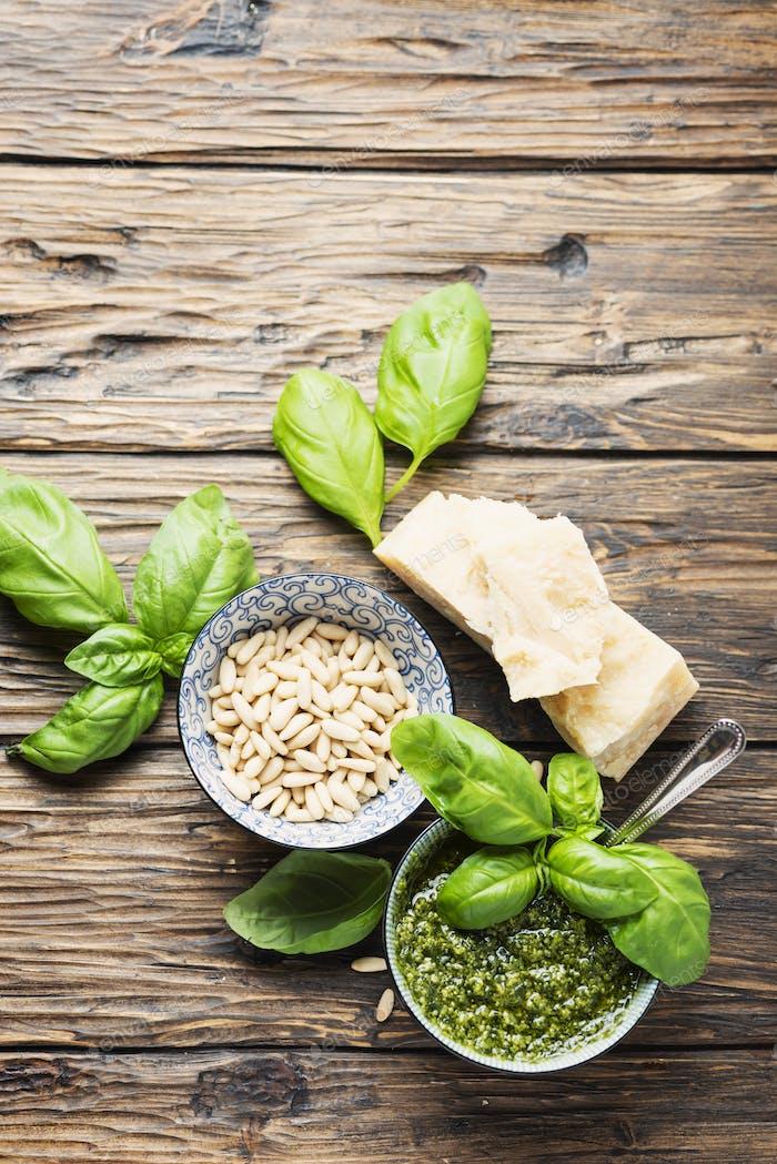 Typisches italienisches Pesto